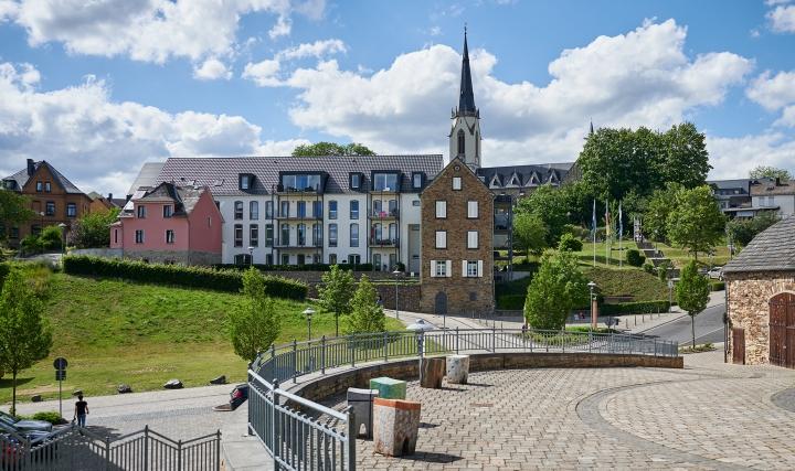 Höhr Grenzhausen - Natur Kultur Keramik - Höhr - Hocker