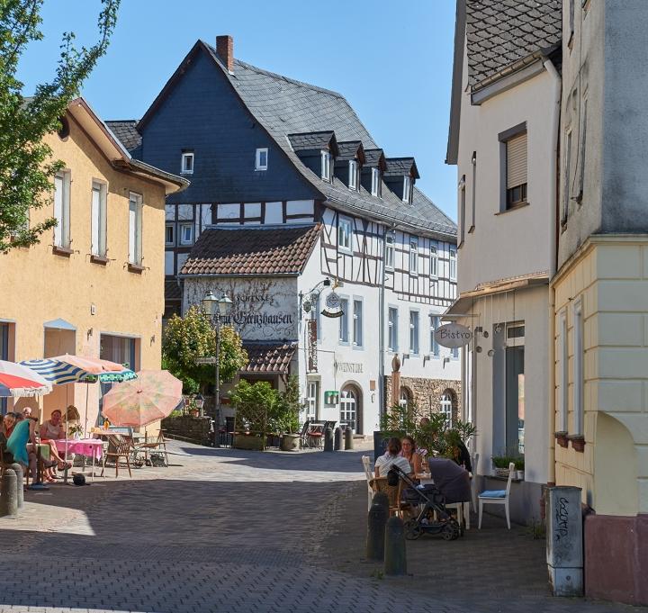 Höhr Grenzhausen - Natur Kultur Keramik - Hermann Geisen Str. / Pop Up - Straßencafe