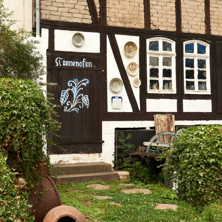 kannenofen, eingang, haus, kannenofenmuseum, höhr-grenzhausen, natur-kultur-keramik