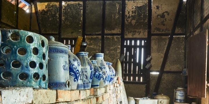 kannenofen, keramik, bembel, graublau, ofenhaus, höhr-grenzhausen, natur-kultur-keramik