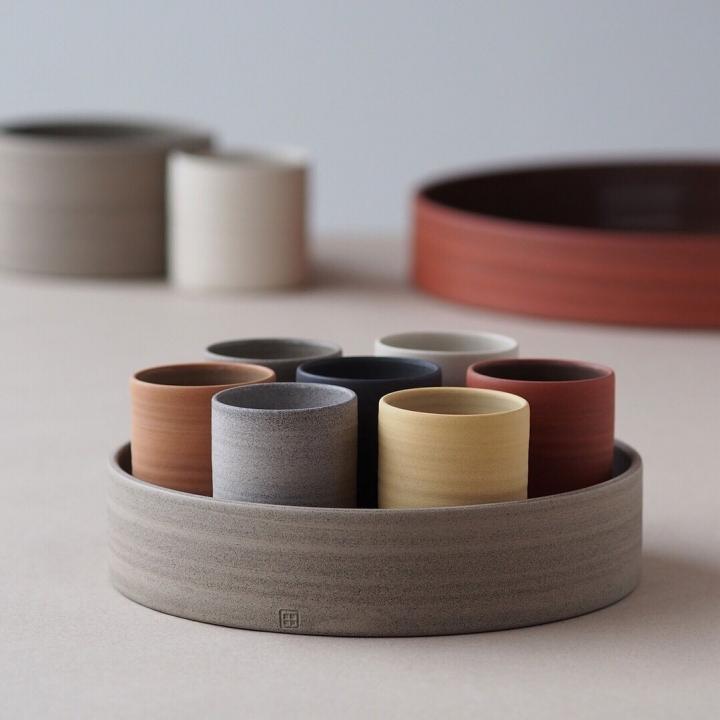 kaas + heger - Individuelles Geschirr aus Porzellan & Steinzeug