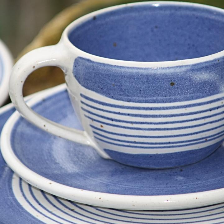 Die Töpfe-Tassen-Teller-Werkstatt Petra Waters