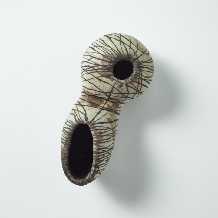 Monika Debus - kleine Wandarbeit, 2020, 28 cm x 13 cm x 11,5 cm