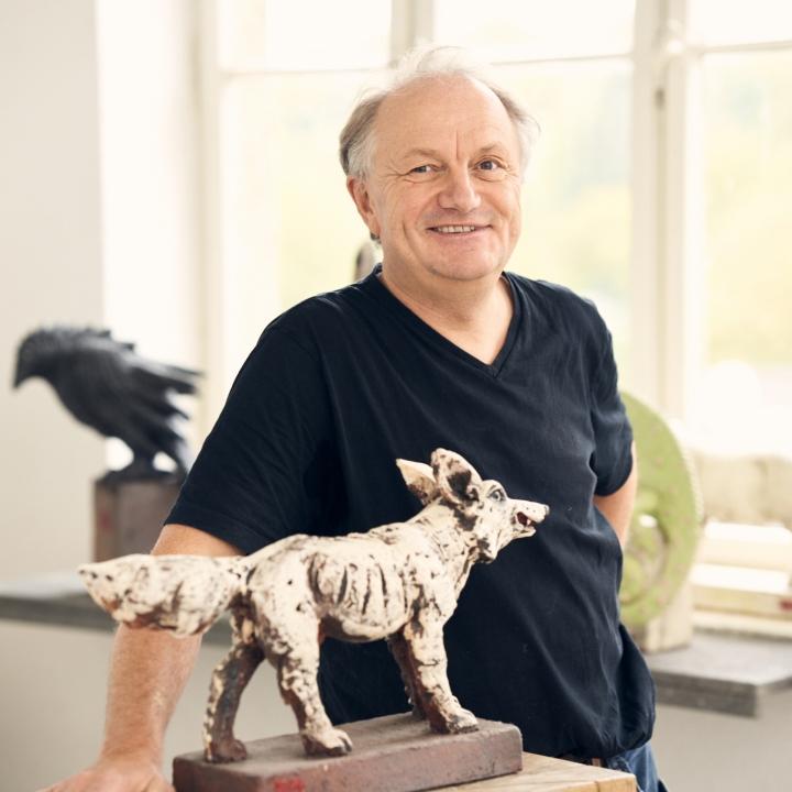 Andreas Hinder, Keramiker aus Höhr-Grenzhausen in seinem Atelier