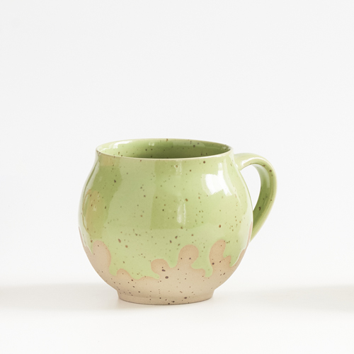 Keramiktassen aus der Werksatt Petra Waters